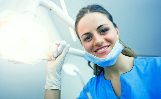 dca-blog_dental-fears-female-dentist-light