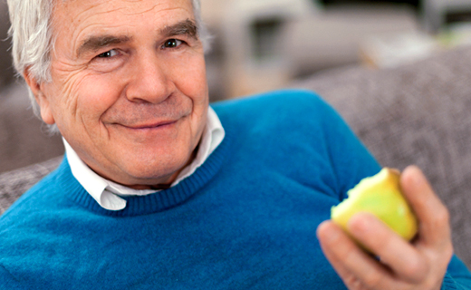dca-blog_secrets-to-savor-eating-with-dentures